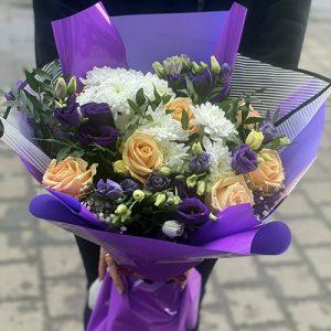 """Букет """"Красота"""" розы, хризантемы ,эустомы"""